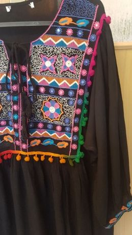 Czarna nowa haftowana sukienka.XL/ 42