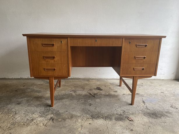 Duńskie biurko z forniru tekowego vintage prl