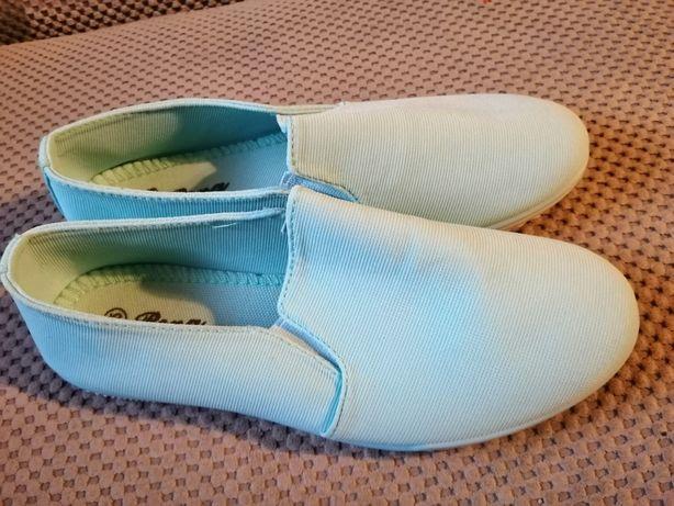 Dziewczęce buty niebieskie rozmiar 35