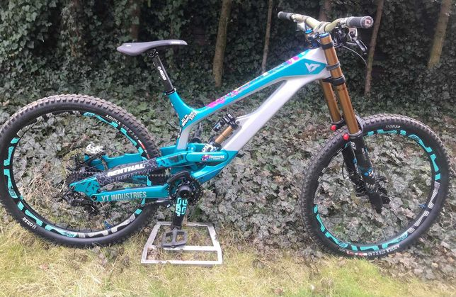 Yt Tues Cf Pro Race Downhill (Giant Norco Demo NS)