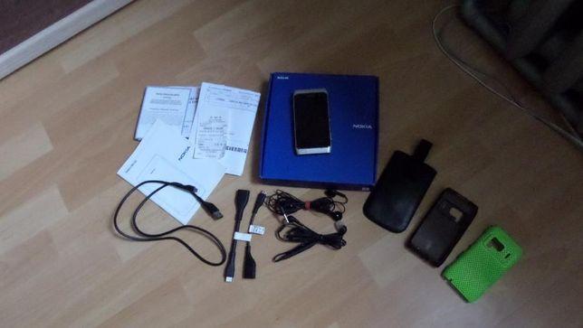 NOKIA N8 32GB srebrna Mega Zestaw nowa bateria Śliczna + etui. ZESTAW