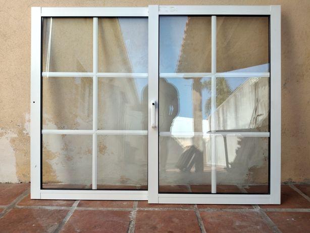 Janelas e portas de sacada em alumínio com aro