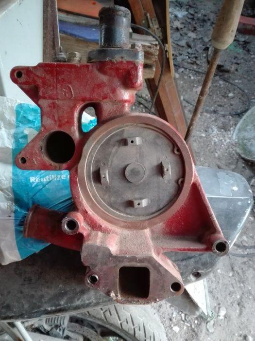 Bomba de água para trator New Holland ts115