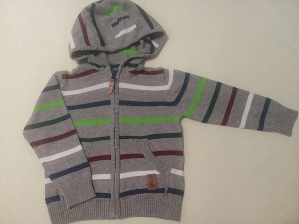 Sweter z kapturem rozmiar 92
