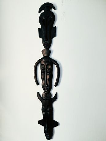 Ręcznie wykonana rzeźba przedstawiająca Maski Afrykańskie