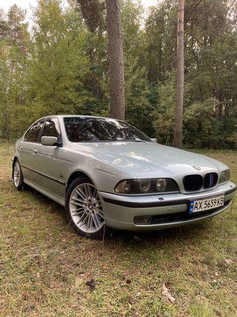 Продам автомобиль BMW 528i