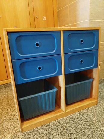 Comoda de criança marca IKEA ideal para guardar brinquedos