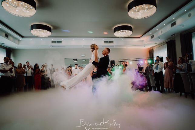 Fotolustro, ciężki dym na co2, napis Miłość