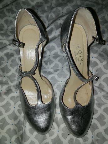 Ślubne buty, srebrne, kotyl, skóra
