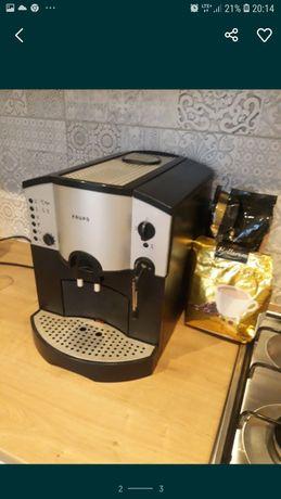 Ekspres  ciśnieniowy do kawy firmy KRUPS