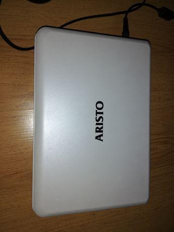 Laptop Dell i Aristo.