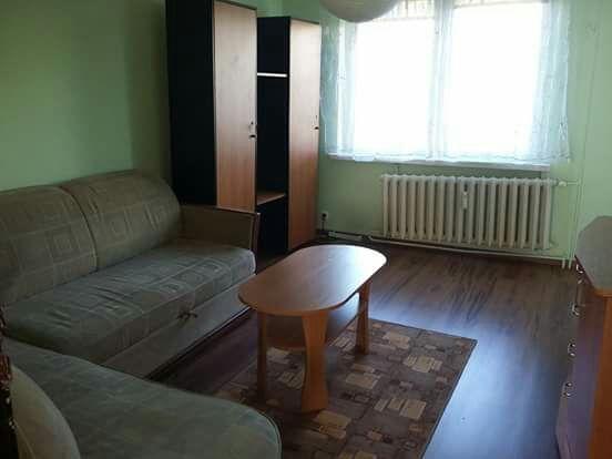 Do wybajecia  duży pokój dla dziewczyny od październ oś Sienkiewicza.