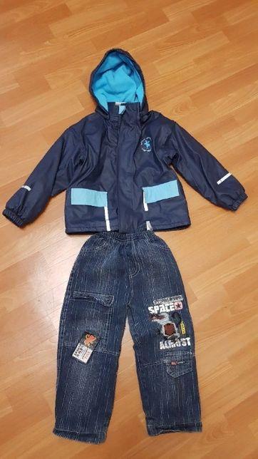 Куртка и джинсы осенние намальчика на рост 122-128