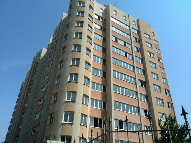 2Х Комнатная квартира в центре с ремонтом