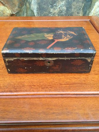 Caixa chinesa madeira pintada á mão 20 cm séc XIX