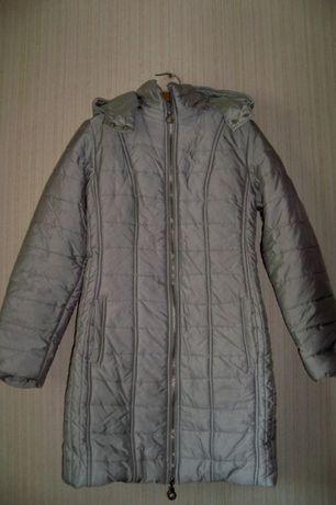 Зимнее легкое серое пальто Oodji на девочку,44 размер