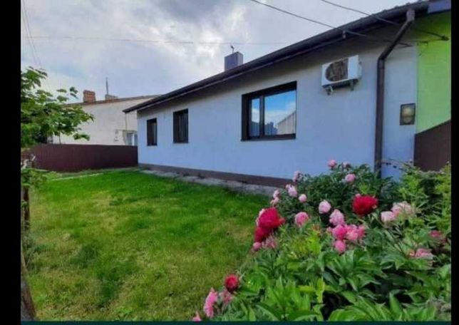 Продам частину будинку на лініях