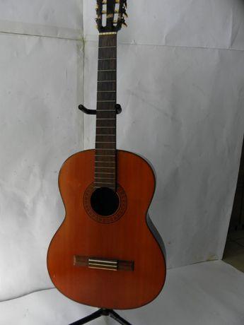 Gitara klasyczna uszkodzona wystawa stojak THOMANN
