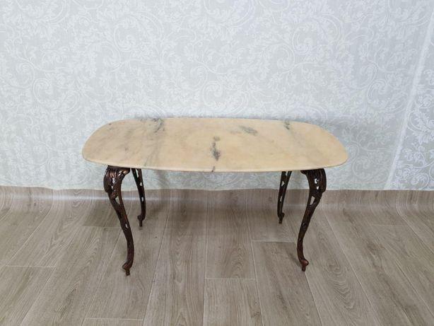 Журнальный столик с мраморной столешницей. Антиквариат.Италия