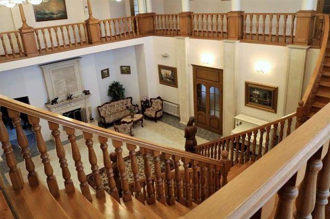 БЕЗ КОМИССИ.Продам 3-х этажный Дом 1345 кв.м район Победа. пос.Южный