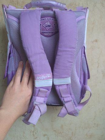 Продам портфель рюкзак ортопедический для девочки начальн.школа 600руб