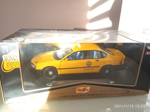 Модель автомобиля Chevrolet Impala 1:18 Maisto