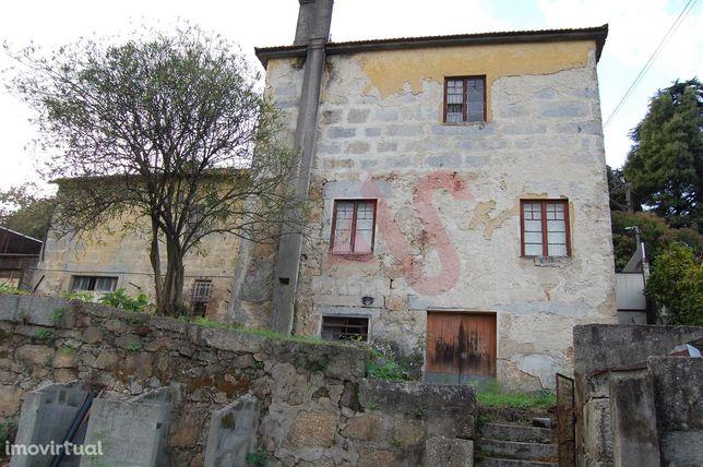 Moradia para Restauro, em Oliveira S. Mateus, Vila Nova de Famalicão