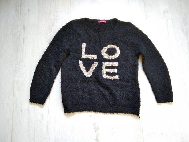 Черная кофта с надписью Love