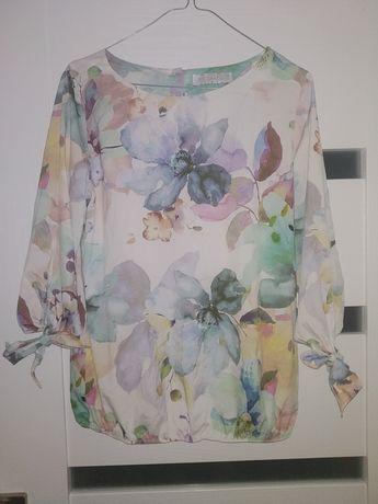 Elegancka bluzka w kwiaty