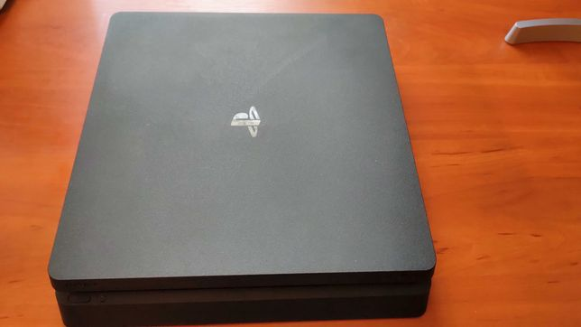 PS 4 slim 500gb + 4 диска