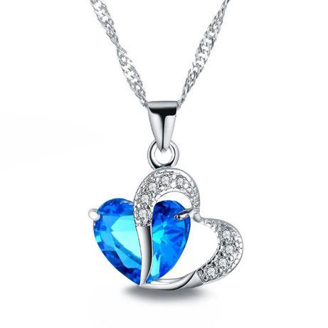 Naszyjnik z niebieskim sercem na zawiesiu