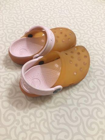 Кроксы (crocs) , сандали , босоножки,оригинал на девочку