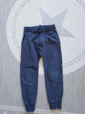 Spodnie dresowe next 104