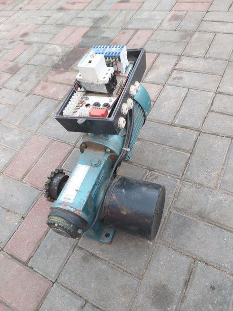 Motoreduktor 380V 24 obr na min