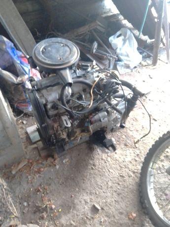 Двигатель в сборе таврия