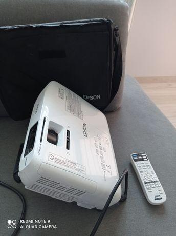 Projektor Epson model H552B