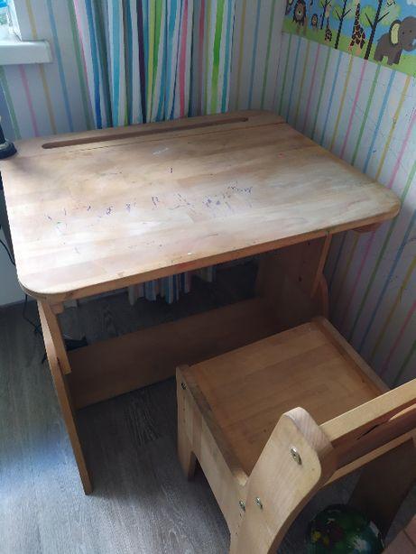 Продам б\у детскую парту и стул (натуральный бук),регулируемые