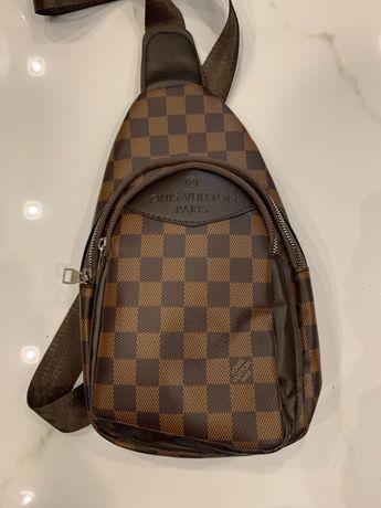Saszetka ,torba , torebka na ramię Louis Vuitton , LV