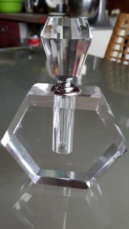 Piękny markowy nowy kryształowy flakon na perfumy 750 gram
