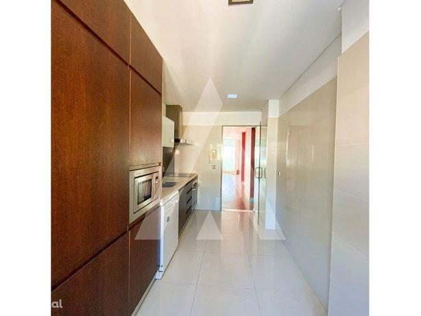 Apartamento T2 Duplex com dois excelentes terraços...