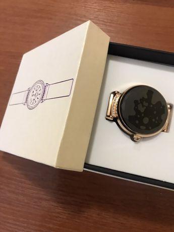 Новий годинник з повною комплектацією.