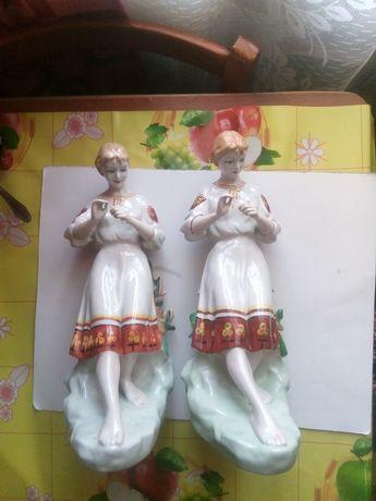 Продам девушка гадает на ромашке статуэтки СССР