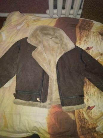 Кожаная куртка ,очень теплая и удобная/продажа