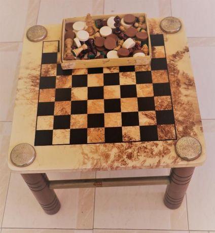 Mesa de jogo de xadrez e damas