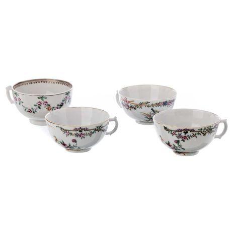Quatro Chávenas Porcelana Companhia das Índias