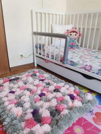Nowy dywan Handmade z pomponów z włóczki