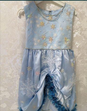 Платье или костюм снежинки