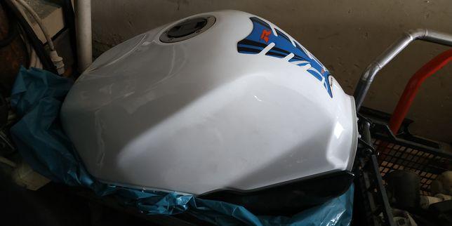 Бак топливный Suzuki gsxr600