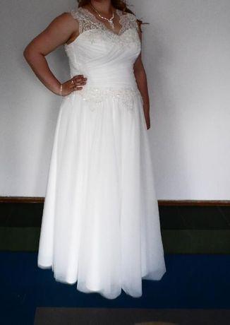 Suknia ślubna 44, 46