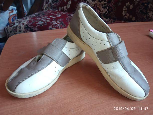 Мешта-мокасини з натурльної шкіри,32 розм(21см) Туфли . Кросівки.